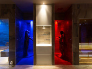 frigidarium con docce