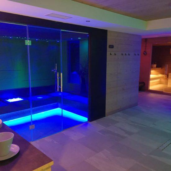 Bagno turco, sauna e panca riscaldata